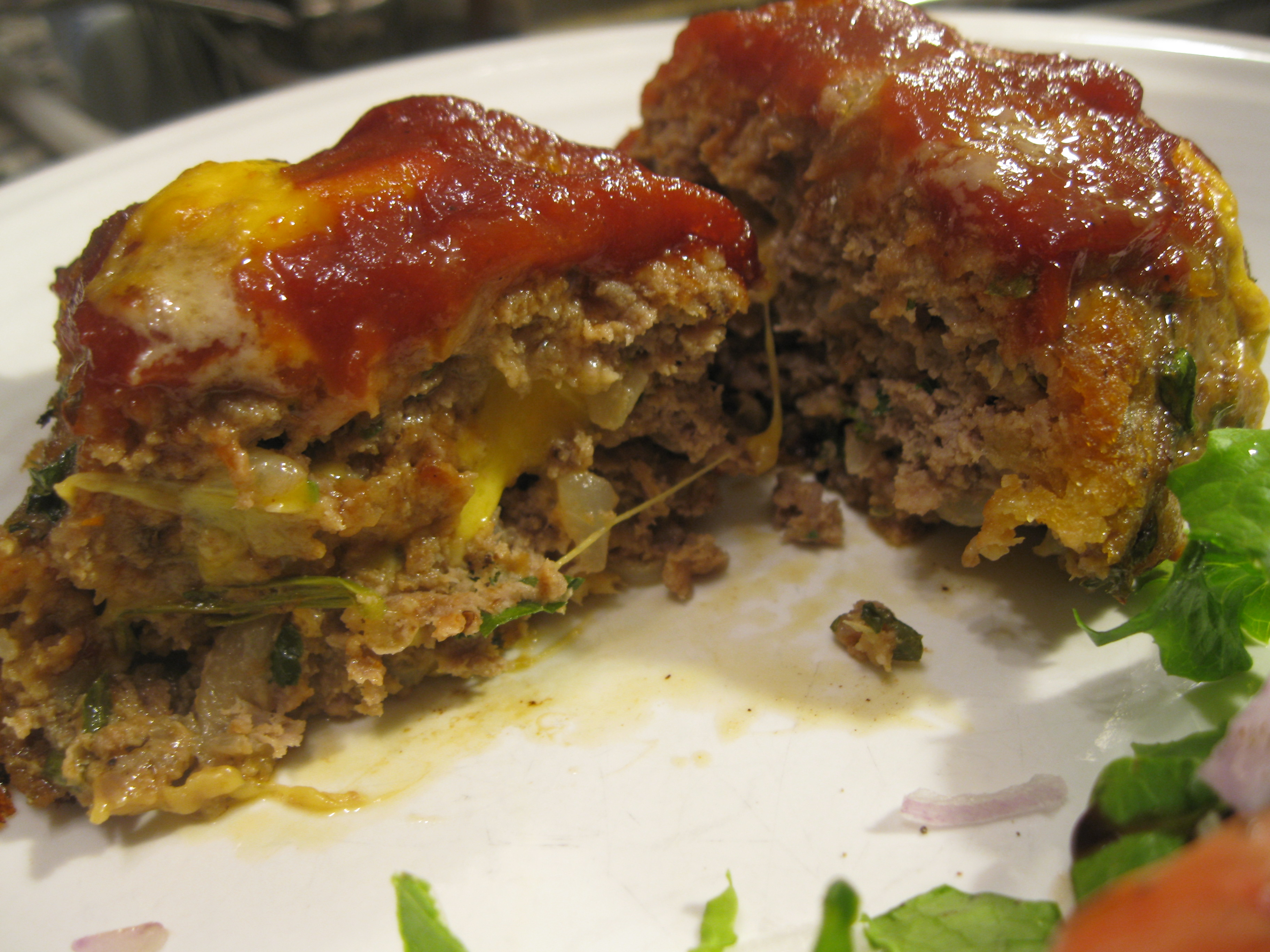Recipe 21.4: Cheesy Mini Meatloafs with Salad
